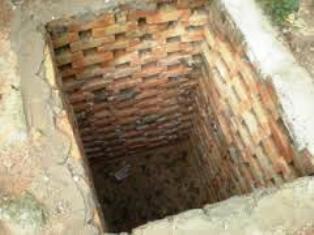 Как построить туалет на даче своими 70